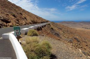 FV-30 - droga przez góry z Tuineje do Casillas del Ángel