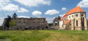 Ruiny opactwa cystersów w Cârța